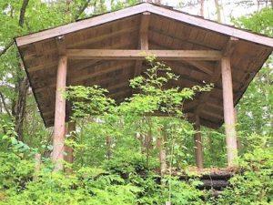 樹木葬,東屋